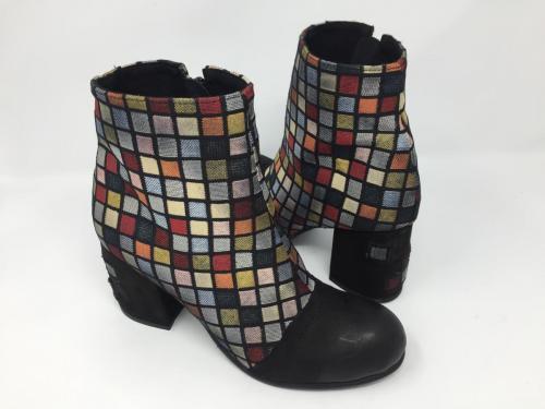Stiefelette multicolor square mit Blockabsatz  Gr. 37, 149.90 jetzt 105.-