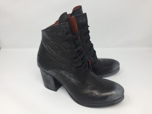 Stiefelette geschnürt, schwarz metallic, Gr. 40, 89.90