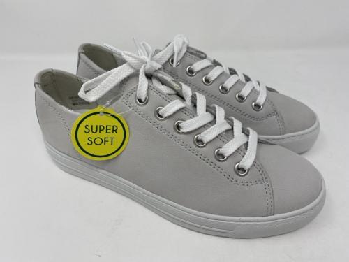 Sneaker hellgrau Gr. 37 - 40,5 / 149.90