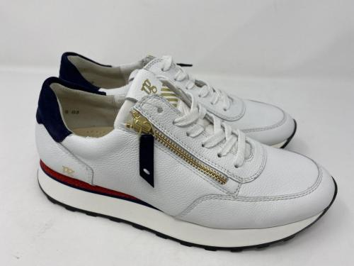 Neu! Sneaker weiß mit blauen und roten Akzenten Gr. 39,  40,5 und 42,5 149.90