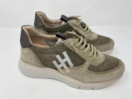 Plateau Sneaker grün, Gr. 36 und 40,  129.90