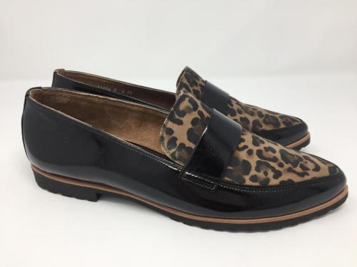 Neu, Slipper Lackleder schwarz Leopard Gr. 36,5, 129.90