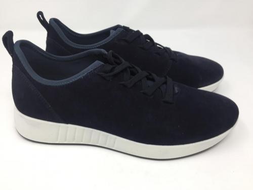 Sneaker dunkelblau  Gr 40, 42,5 und 43, 89.90 jetzt 69.90