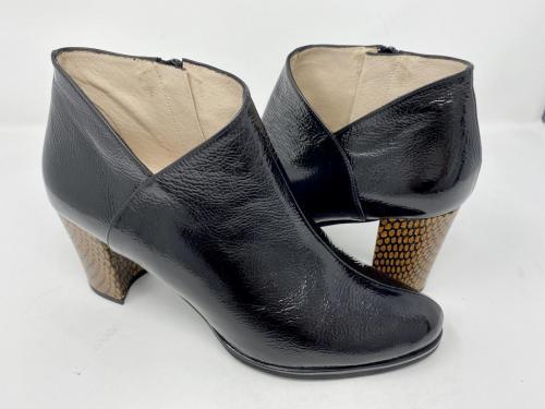 Ancel Boots Lackleder schwarz Gr 36, 37 und 40 129.90 jetzt 64.95