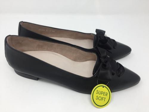 Ballerina schwarz Gr. 36 - 42, 115.-