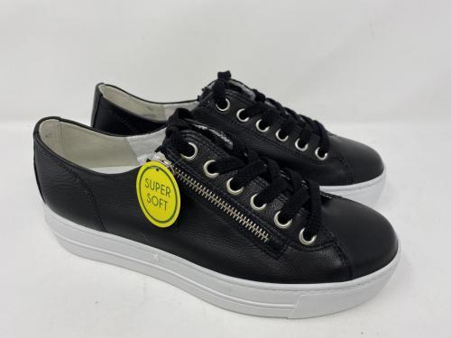 Sneaker schwarz Gr. 39 - 42, 139.90