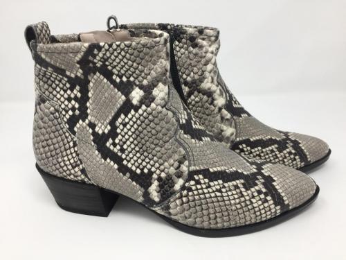 Neu, Leichte Stiefelette schwarz weiß Sneaker, Gr. 36 - 41, 149.90