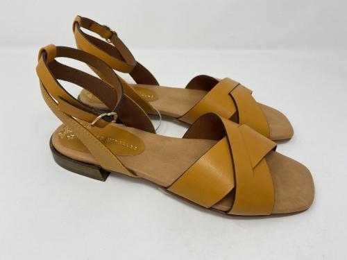 Sandalette gelb Gr. 40 und 41, 115.- jetzt 57.50