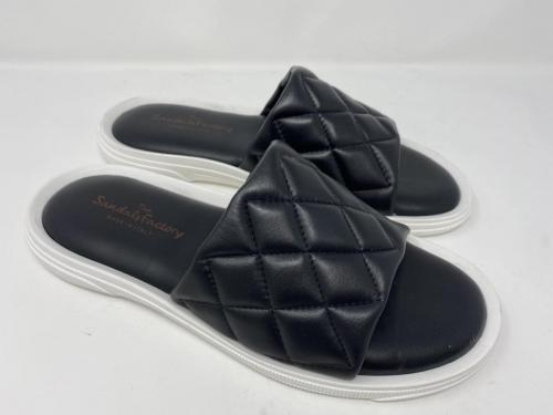 The Sandals Factory Pantolette schwarz Gr. 40 - 46, 89.90