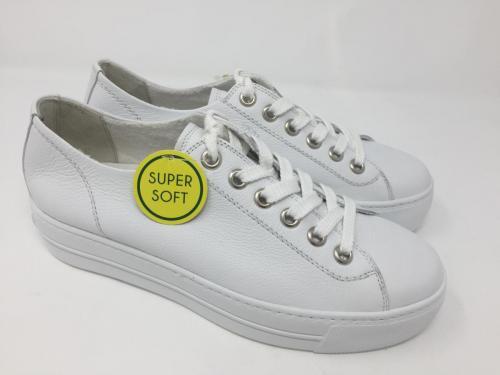 Sneaker weiß Gr. 35 - 42, 135.-