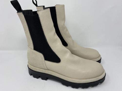 Halbhoher Chelsea Boots weiß Gr. 37, 38, 40 und 41, 129.90