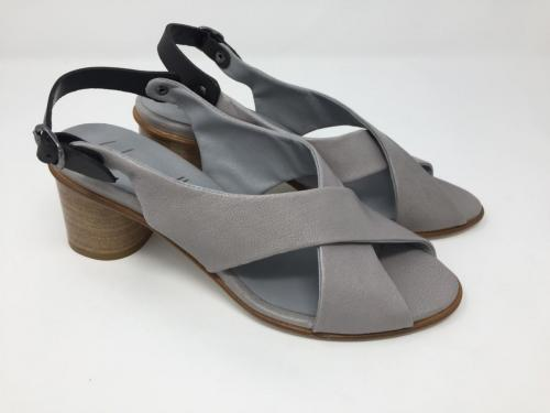 Sandalette hellgrau Gr. 38, 110.- jetzt 88.-