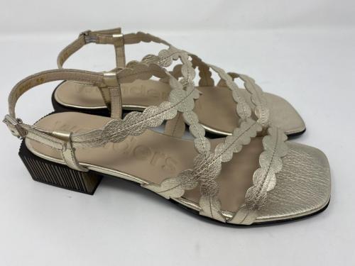Sandalette gold Gr. 37, 38 und 40, 110.-