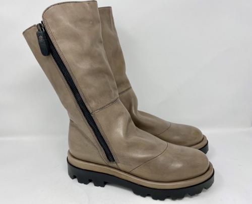 Halbhoher Stiefel grau-beige Gr. 37 und 38, 139.90
