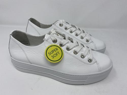 Cleaner weißer Sneaker Lackleder Plateau Sohle Gr. 37 - 41, 139.90