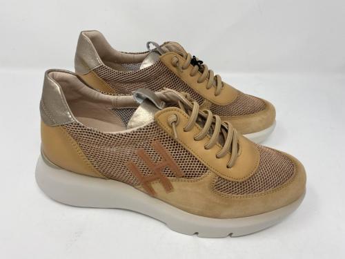Plateau Sneaker camel Gr. 38, 40 und 41, 129.90
