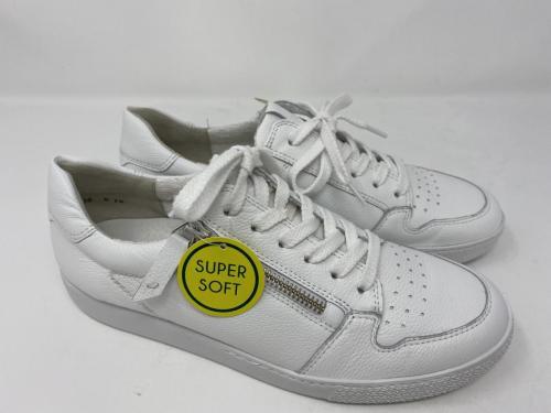 Sneaker weiß, Gr. 36, 37,5/ 39, 40,5/ 41 und  42,5 149.-