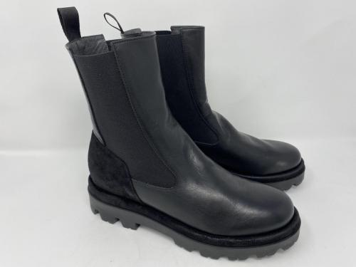 Halbhoher Chelsea Boots in schwarz Gr. 37 und 40,  129.90