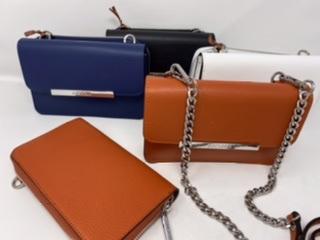 Kleine Lederumhängetasche mit abknöpfbarem Portemonnaie in orange, dunkelblau, weiß und schwarz 129.90