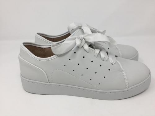 Sneaker weiß mit Fußbett Gr. 36 - 42, 129.90 jetzt 99.90