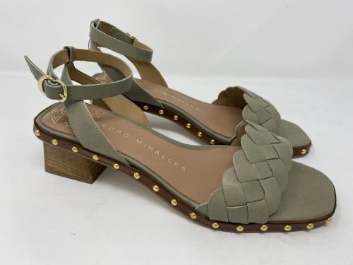 Sandalette oliv Gr. 37 - 41, 129.90Größe 39 ausverkauft